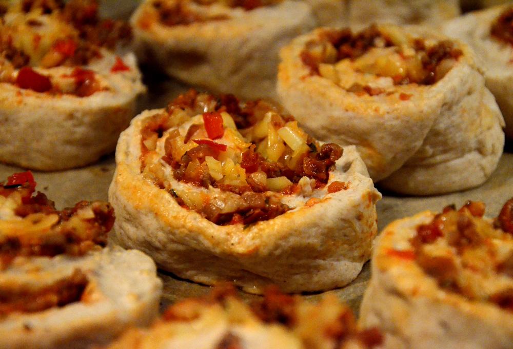 pizzasnurrer-med-bacon-karbonadedeig-lok-paprika_1000