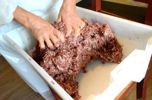 Spekepølse etter Magnhild-metoden-kna kjøtdeig_600