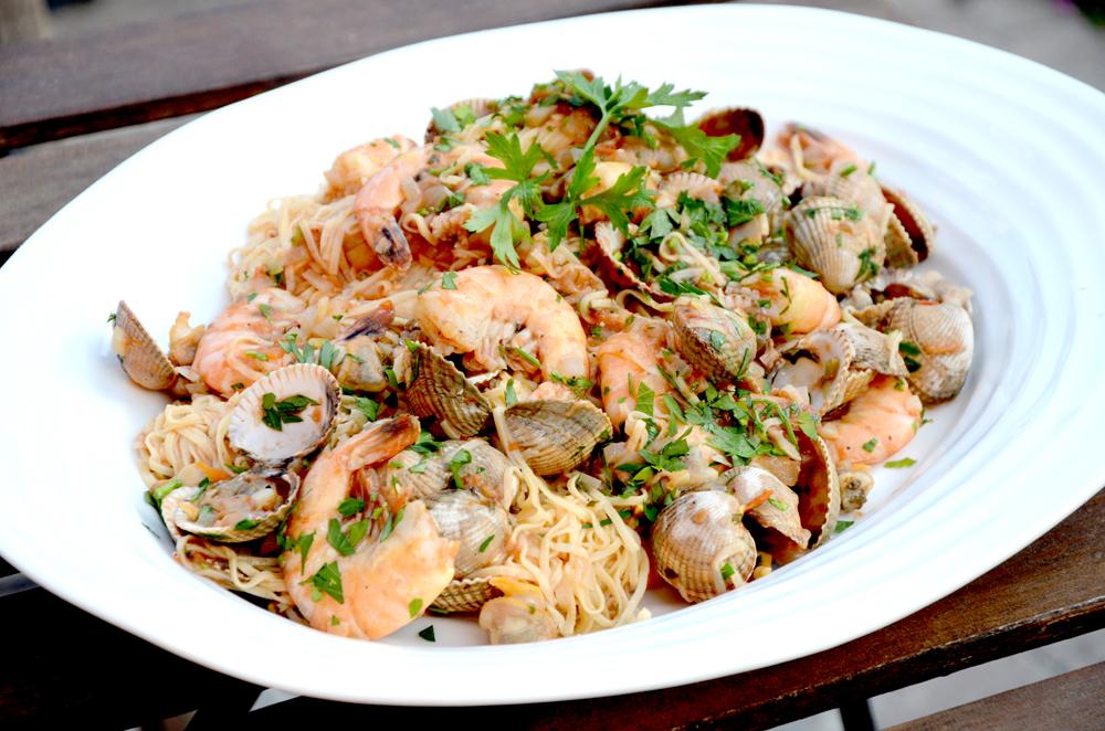 Skalldyrpasta-blåskjell-hjerteskjell-scampi med spaghetti–pasta marianara_1000