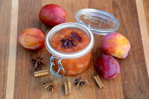 Plomme- og eplesyltetøy med kanel og anis_1000